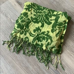 D&Y Green Pattern Scarf with Fringe